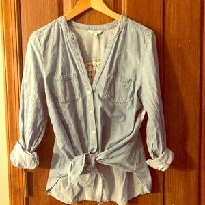 Chambray denium shirt, with lace back